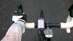 Navigation mit dem GPS Gerät. Spritzwassergeschützt versteht sich.
