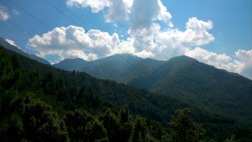 Korsika. Im Norden der Insel werden sogar Höhen von 2701m erreicht