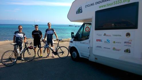 Das verbleibende Team für die kommenden zwei Wochen: Marcel, Fabian und Adrian. Hier in Ajaccio