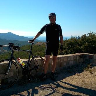Geschafft! Von hier geht es nur noch bergab nach Marseille. Schöner Ausblick später bei der Abfahrt!