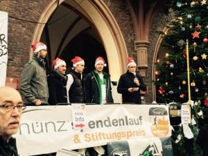 Bernhard Münz beim münz-Spendenlauf in Montabaur vor dem Rathaus